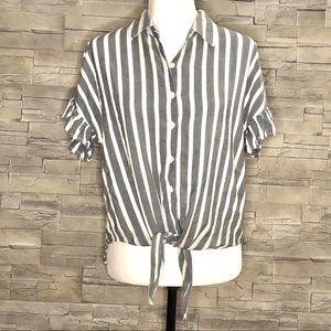 Japna grey and white short-sleeved blouse